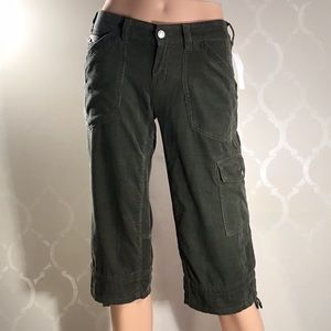 🆕GAP OLIVE CORDUROY CROPPED PANTS